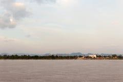 湄公河的看法在泰国老挝附近的 免版税库存图片
