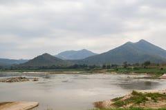 湄公河从城镇可汗的视图作为 免版税库存照片