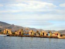 湖人titicaka uros 库存图片