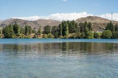 湖位于克伦威尔的Dunstan,中央Otago,新西兰 图库摄影