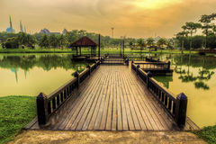 湖侧视图 免版税库存图片