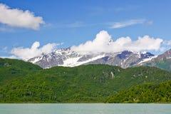 湖克拉克国家公园阿拉斯加山  免版税图库摄影