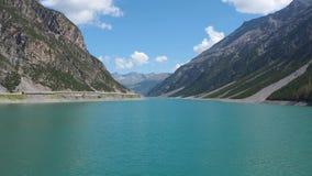 湖利维尼奥的风景一个高山人工湖 意大利阿尔卑斯 意大利 股票录像