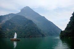 湖北八洞长江巫峡嘴链子Zixi航行 库存照片