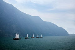湖北八洞长江巫峡嘴链子Zixi航行 库存图片