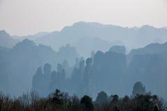 湖南天子山裕丰峰顶的张家界 图库摄影