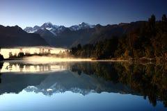 湖反射性matheson的山 免版税库存图片