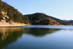 湖和反映 库存照片