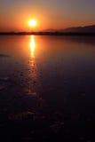 湖和山风景在冬天,在颐和园 免版税库存照片