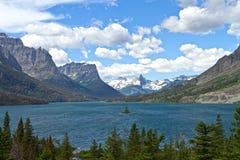 湖圣玛丽在冰川国家公园 库存图片