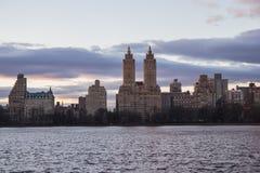 湖在中央公园纽约 蠢材 免版税库存照片