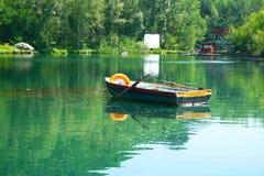 湖在公园 库存图片