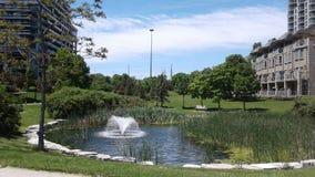 湖在吉恩奥古斯汀公园,多伦多 免版税库存图片