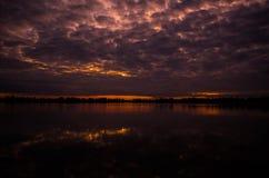 湖在夜间 免版税图库摄影