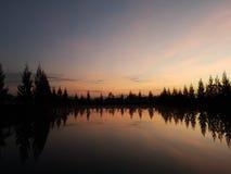 湖在夜间 库存照片