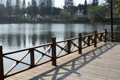 湖在庭院里 库存照片