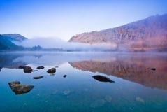 湖在Glendalough 图库摄影