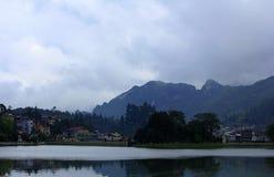 湖在Sapa镇  免版税库存图片