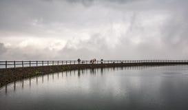 湖在Waidring,提洛尔,奥地利 免版税图库摄影