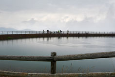 湖在Waidring,提洛尔,奥地利 库存图片