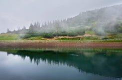 湖在Waidring,提洛尔,奥地利 免版税库存照片