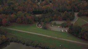 湖寄生虫空中录影在罗利, NC附近的 影视素材