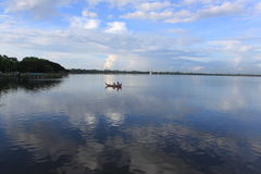 湖小船 库存图片