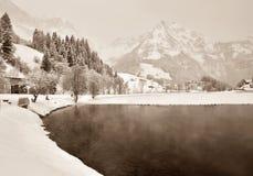 湖山冬天 库存照片