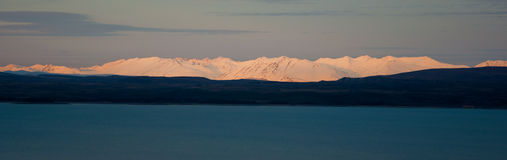湖山脉日落 库存图片