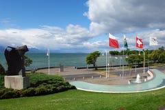 湖岸 免版税库存照片