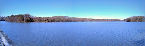 湖希金斯, Bur磨房公园:格林斯博罗, NC 免版税图库摄影