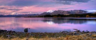 湖新的全景西兰 库存照片