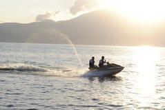 湖旅行 免版税图库摄影
