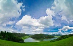 湖横向山 免版税库存图片
