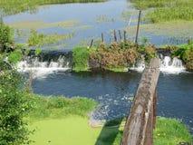 湖水坝 免版税库存照片