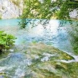 湖瀑布 库存照片