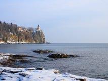 湖灯塔主管冬天 免版税库存图片