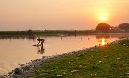 湖的一个人在Inle,缅甸 图库摄影