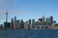 从湖的多伦多地平线,安大略,加拿大 库存照片