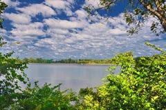 湖的看法 免版税图库摄影