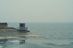 湖的私有船坞 图库摄影