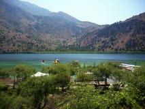 湖的美丽的景色 免版税库存图片