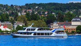 湖的苏黎世MS Uetliberg在瑞士 免版税库存照片