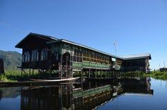 湖的Inle浮动庭院 库存图片