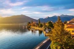 湖的Maggiore,瓦雷泽,意大利省马卡尼奥  图库摄影