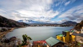 从湖的Mt富士视图 免版税库存照片