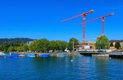 湖苏黎世的堤防在市瑞士苏黎士 免版税库存图片