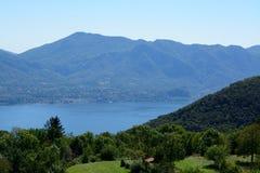 湖视图Lago Maggiore 免版税库存图片