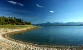 湖边平地 库存照片