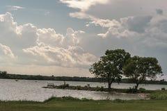 湖边视图 库存图片